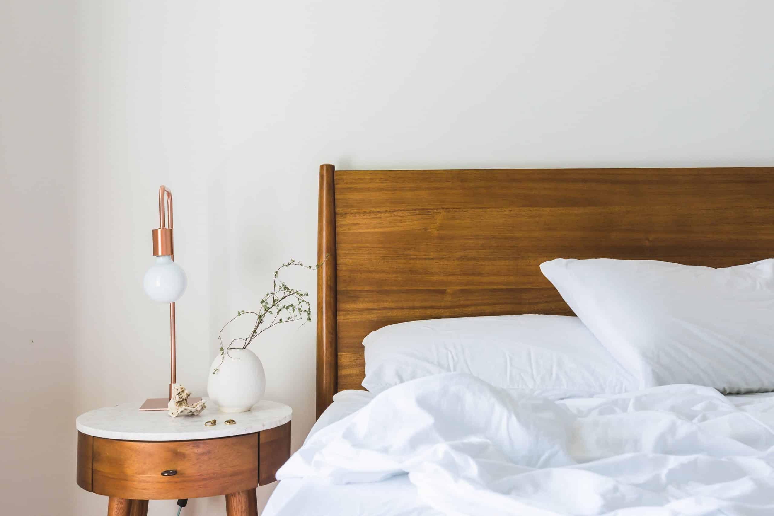 faut il du linge de lit blanc pour bien dormir votre lit. Black Bedroom Furniture Sets. Home Design Ideas